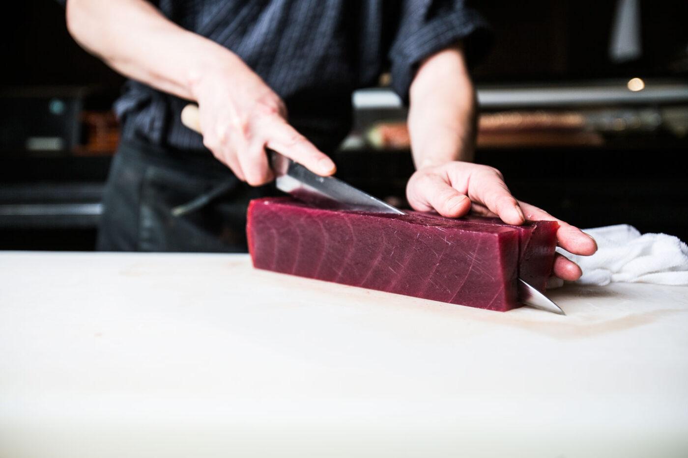 Corte de Akami para lingo atunero japonés en Miyama